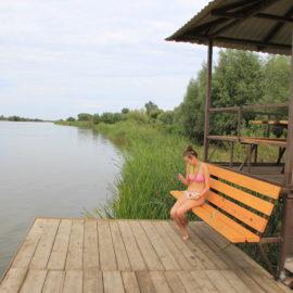 Снять домик у реки